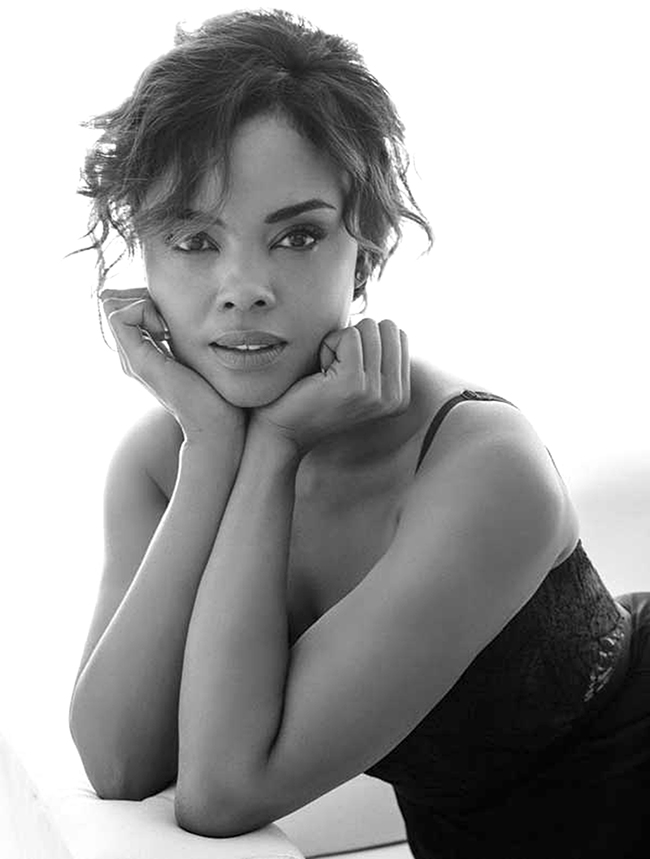 StopKiss_SharonLeal